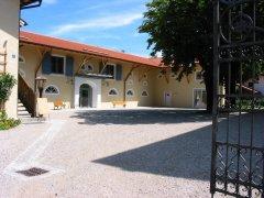 Rückgebäude Rathaus Grabenstätt mit Touristinfo und Sonderausstellung Chiemgau-Impakt